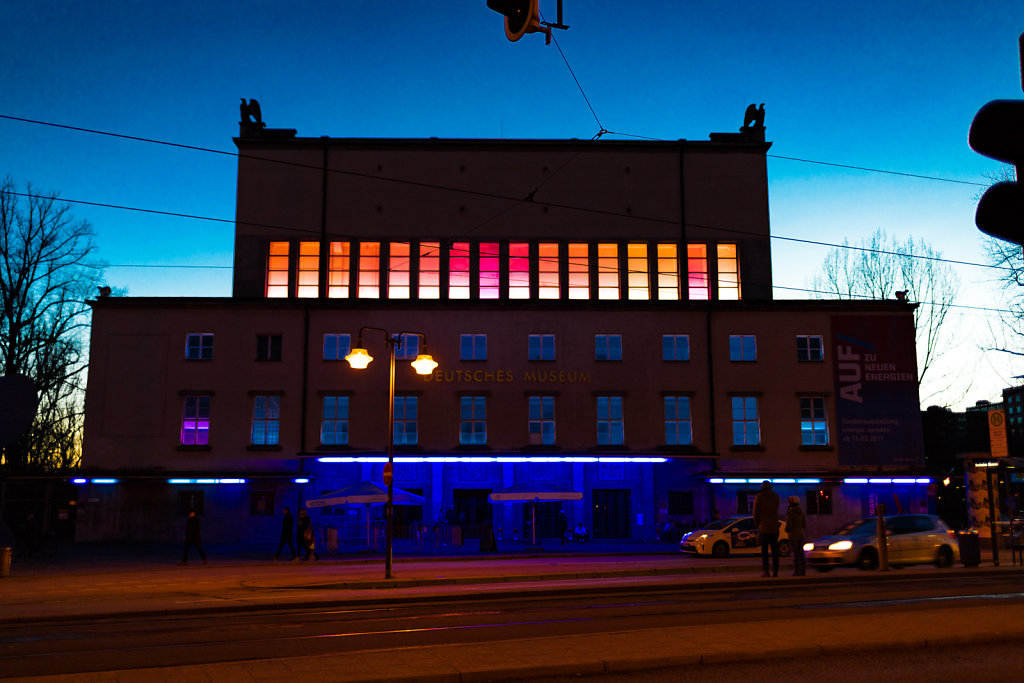 Farbige Beleuchtung des Deutschen Museums