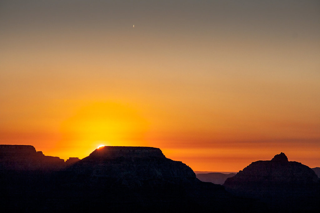 Sunrise at the Grand Canyon's South Rim